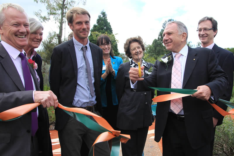 Australian-High-Commissioner-John-Dauth-AO-LVO-officially-opens-the-Australian-Garden-in Enfield